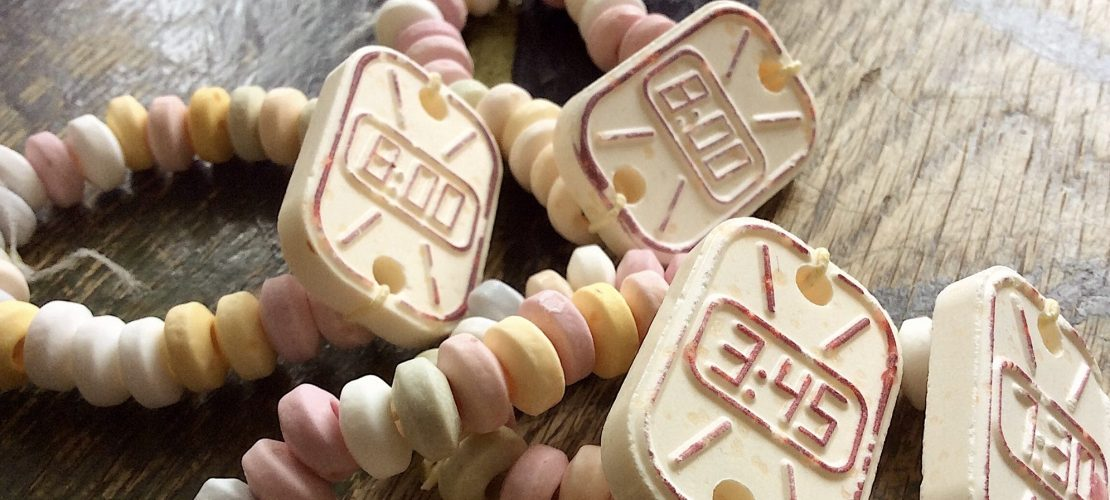 Süßigkeitenuhr Bonbonarmband