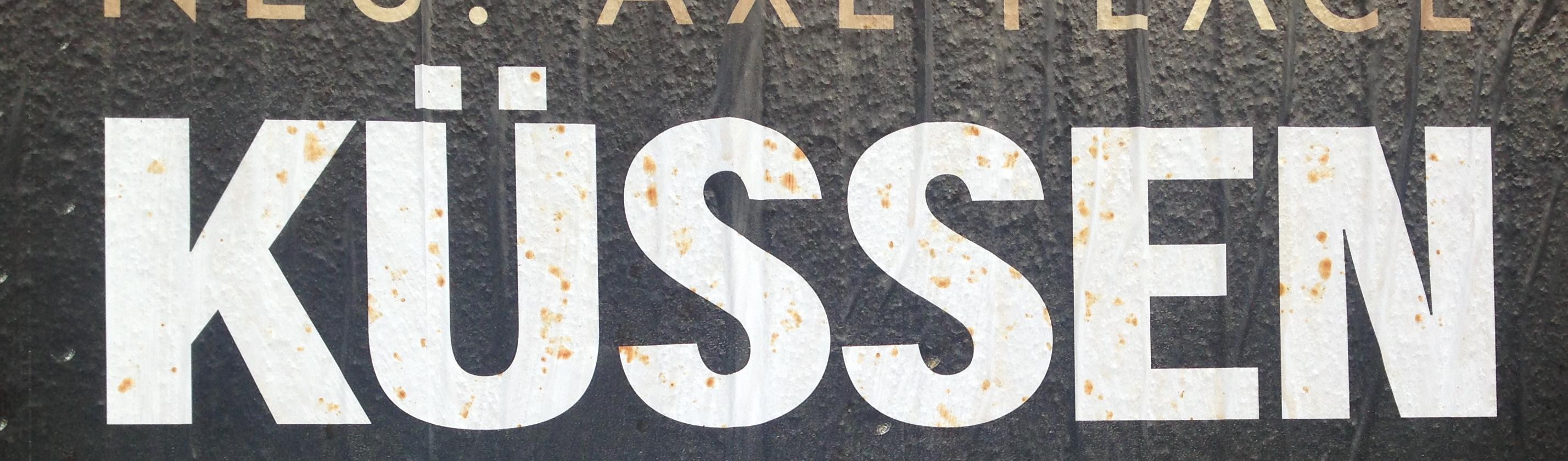 Küssen Plakat mit Rostflecken